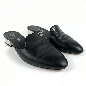 Size 8.5 / 38.5 Chanel Black Leather Mules